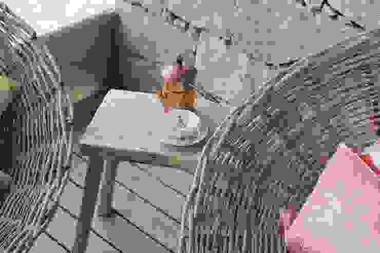 de Tangerinas e Pêssegos - Design de Interiores & Decoração no Porto Mediterráneo Madera maciza Multicolor