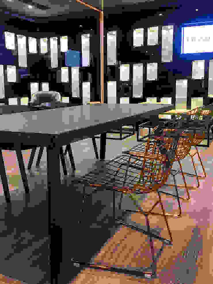 AU Lab Modern style study/office Grey