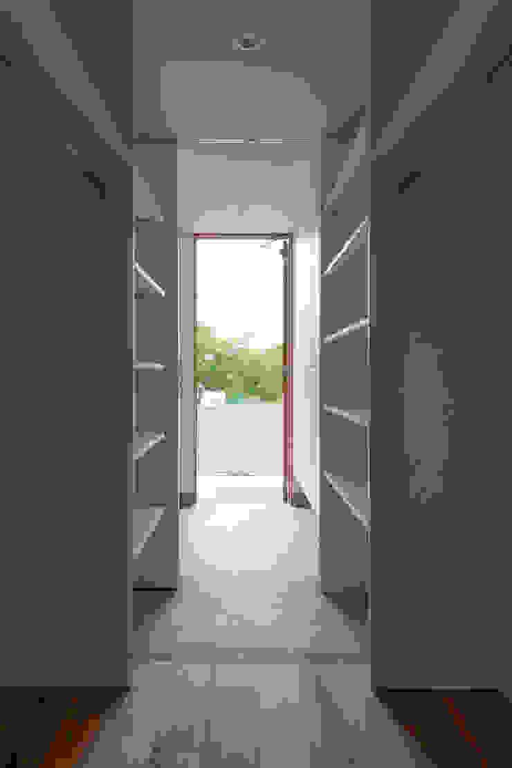 yuukistyle 友紀建築工房 Modern Corridor, Hallway and Staircase