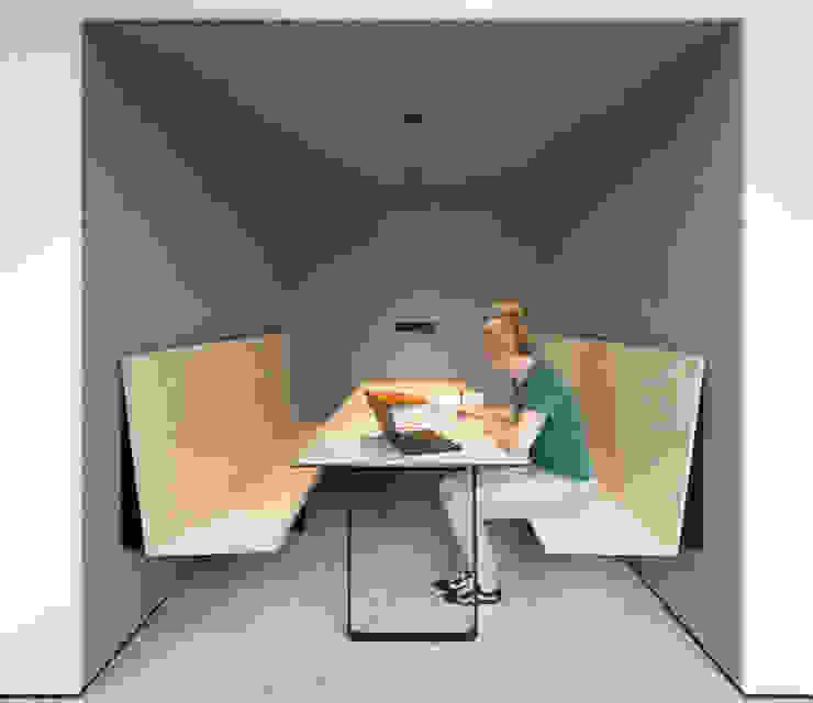 Minimalist study/office by Franz&Sue Minimalist Wood Wood effect