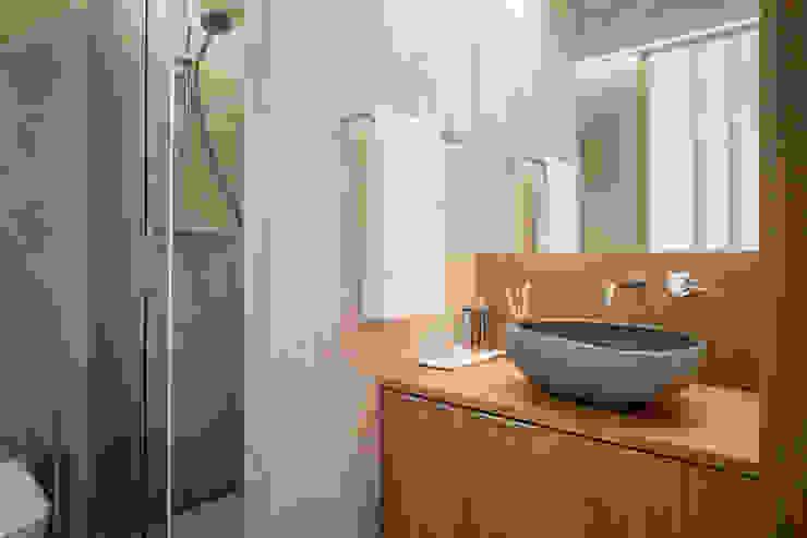 Salle de bain méditerranéenne par Piedra Papel Tijera Interiorismo Méditerranéen