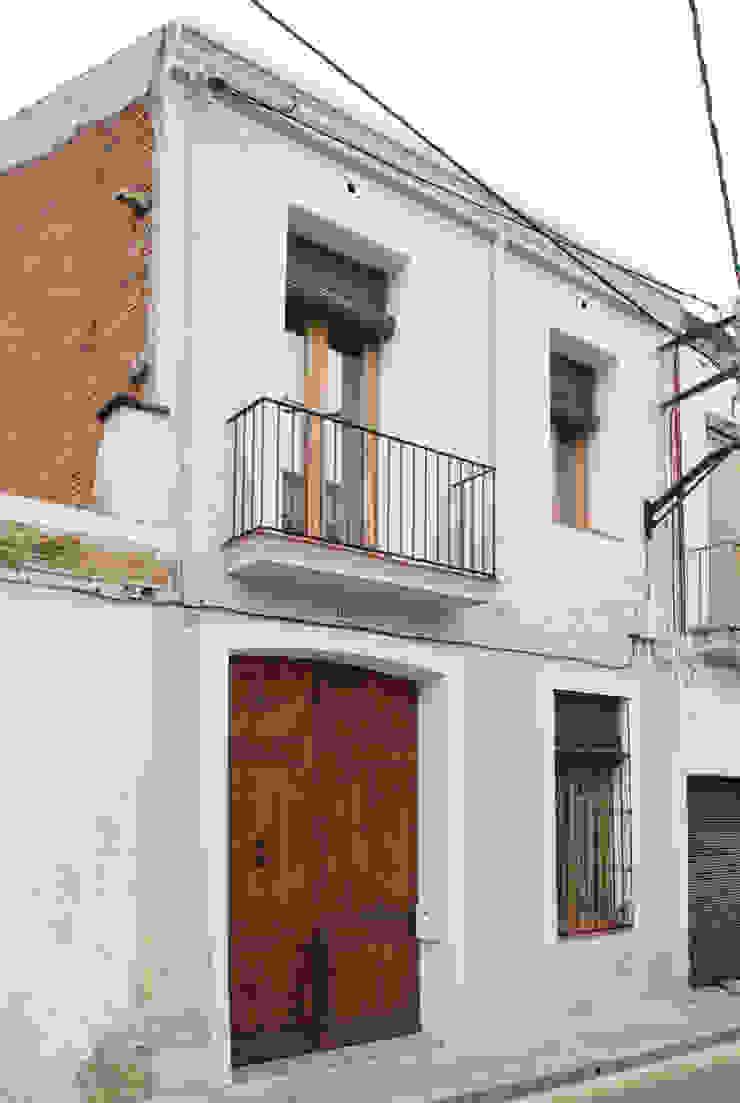 Fachada principal Divers Arquitectura, especialistas en Passivhaus en Sabadell Casas adosadas