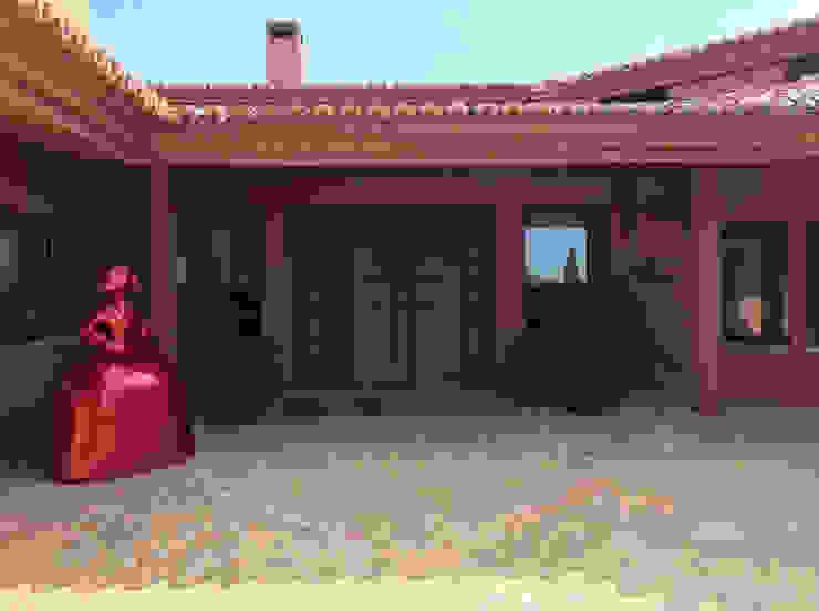 Casa rural, arquitectura en Castilla La Mancha - arquitectura para la felicidad: Casas rurales de estilo  de Otto Medem Arquitecto vanguardista en Madrid,