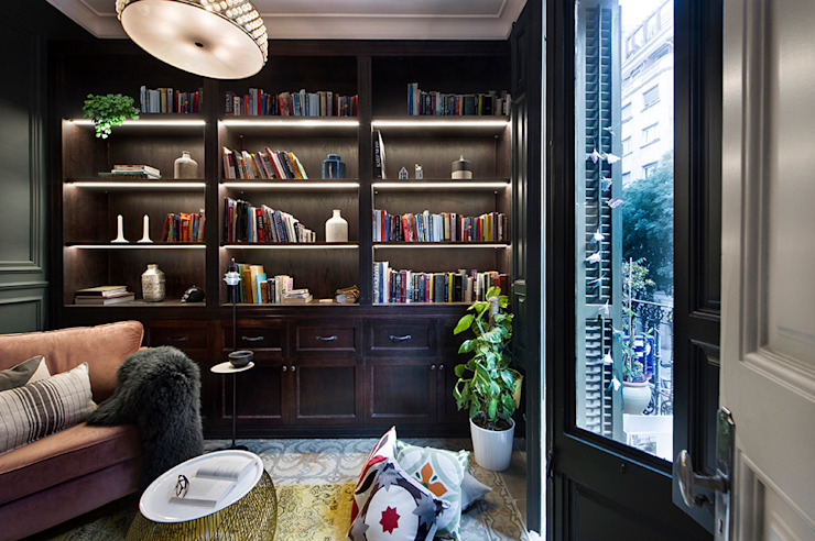 Egue y Seta Eclectic style study/office