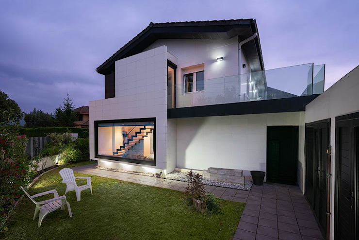 arQmonia estudio, Arquitectos de interior, Asturias Single family home White