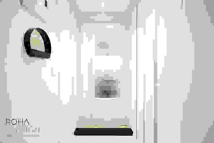 부산 홈스타일링 인테리어 - 집은 주인을 닮는다. 모던스타일 복도, 현관 & 계단 by 로하디자인 모던