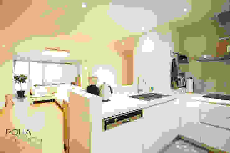 부산 홈스타일링 인테리어 – 집은 주인을 닮는다. 모던스타일 다이닝 룸 by 로하디자인 모던