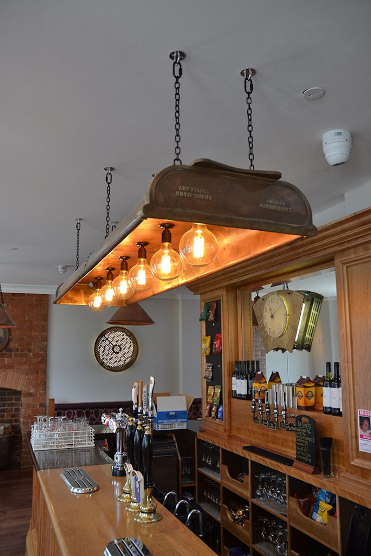 'The King Arthur' in Hagley, Worcestershire. Lighting design. it's a light Bar & Klub Gaya Eklektik