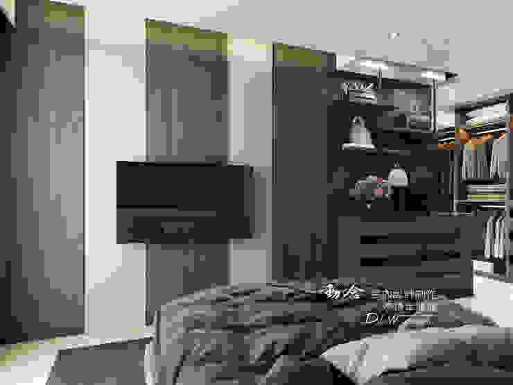 臥室電視牆 根據 木博士團隊/動念室內設計制作 現代風