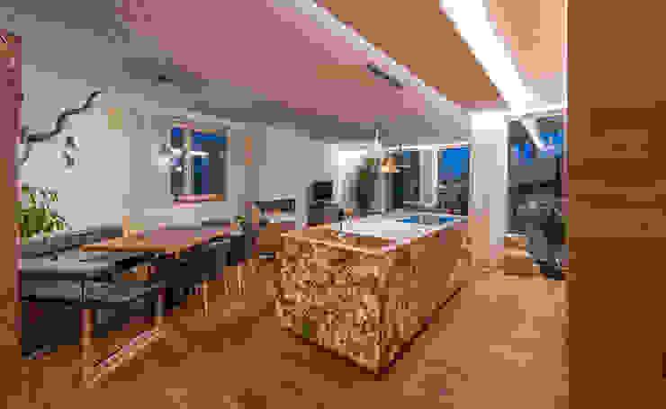 現代廚房設計點子、靈感&圖片 根據 AL ARCHITEKT - in Wien 現代風