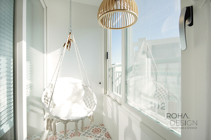 부산 전망 좋은 해운대 아파트 인테리어 모던스타일 발코니, 베란다 & 테라스 by 로하디자인 모던