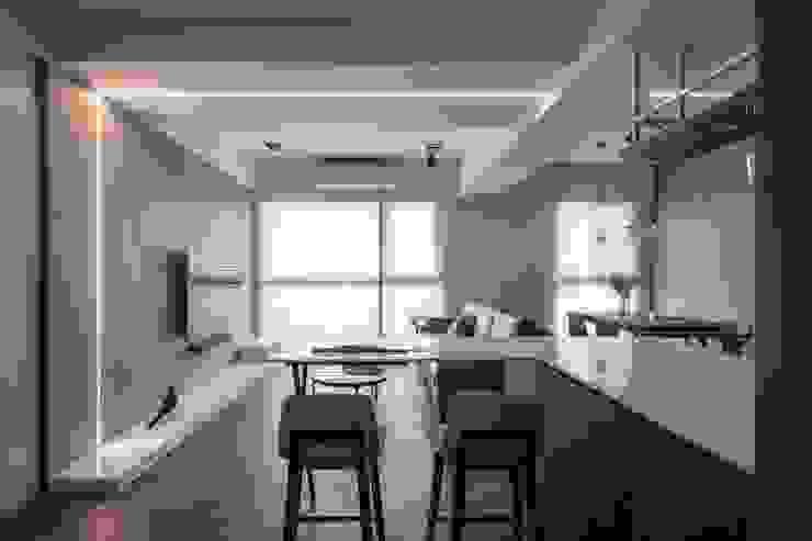 公領域 根據 極簡室內設計 Simple Design Studio 現代風