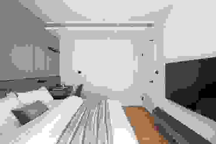 木皮造型隱藏門 根據 極簡室內設計 Simple Design Studio 現代風