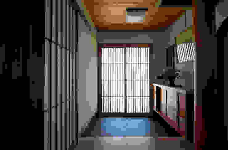 玄関 DIGDESIGN 和風の 玄関&廊下&階段