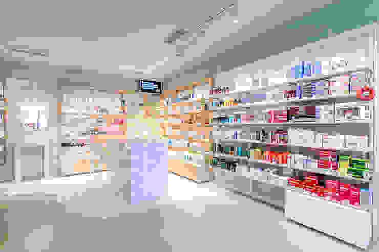 Som Farmacia de Piedra Papel Tijera Interiorismo Clásico