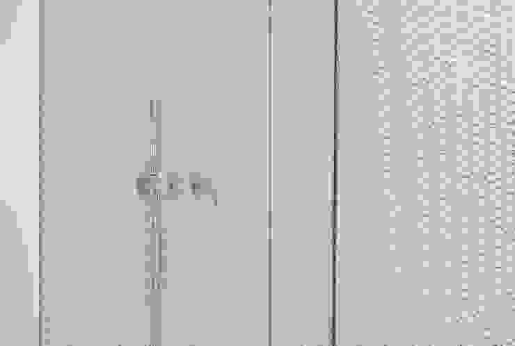 Córcega Piedra Papel Tijera Interiorismo Baños de estilo escandinavo