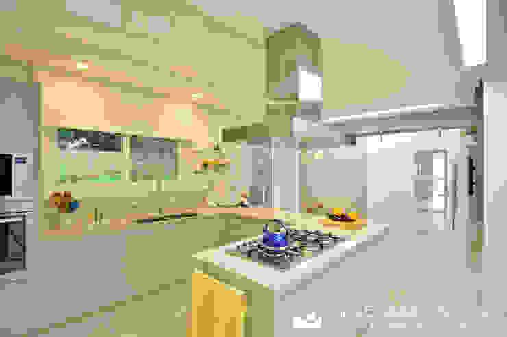 cozinha + copa Cozinhas modernas por Tania Bertolucci de Souza | Arquitetos Associados Moderno