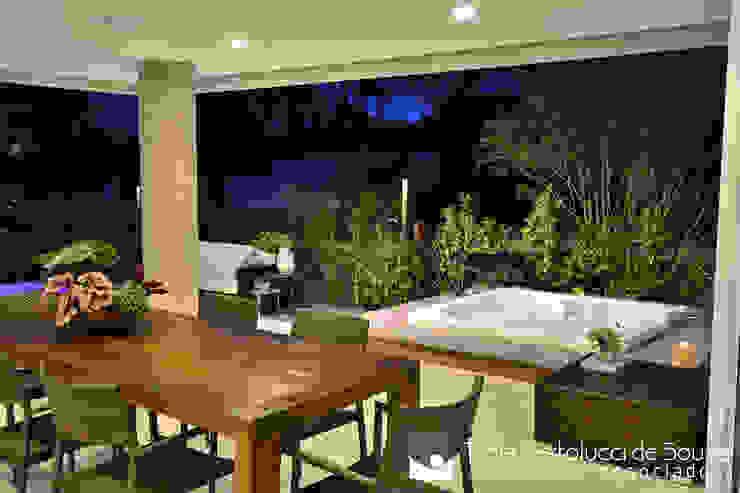 Residência Unifamiliar por Tania Bertolucci de Souza | Arquitetos Associados Moderno