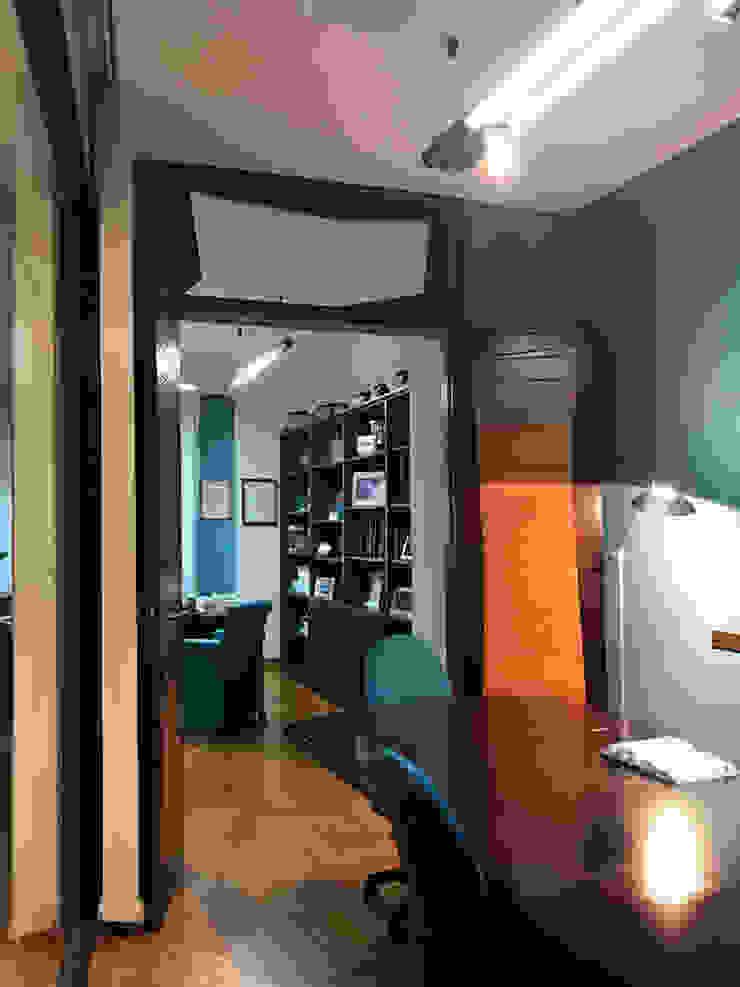 Vergaderingsruimte: modern  door MEF Architect, Modern Hout Hout