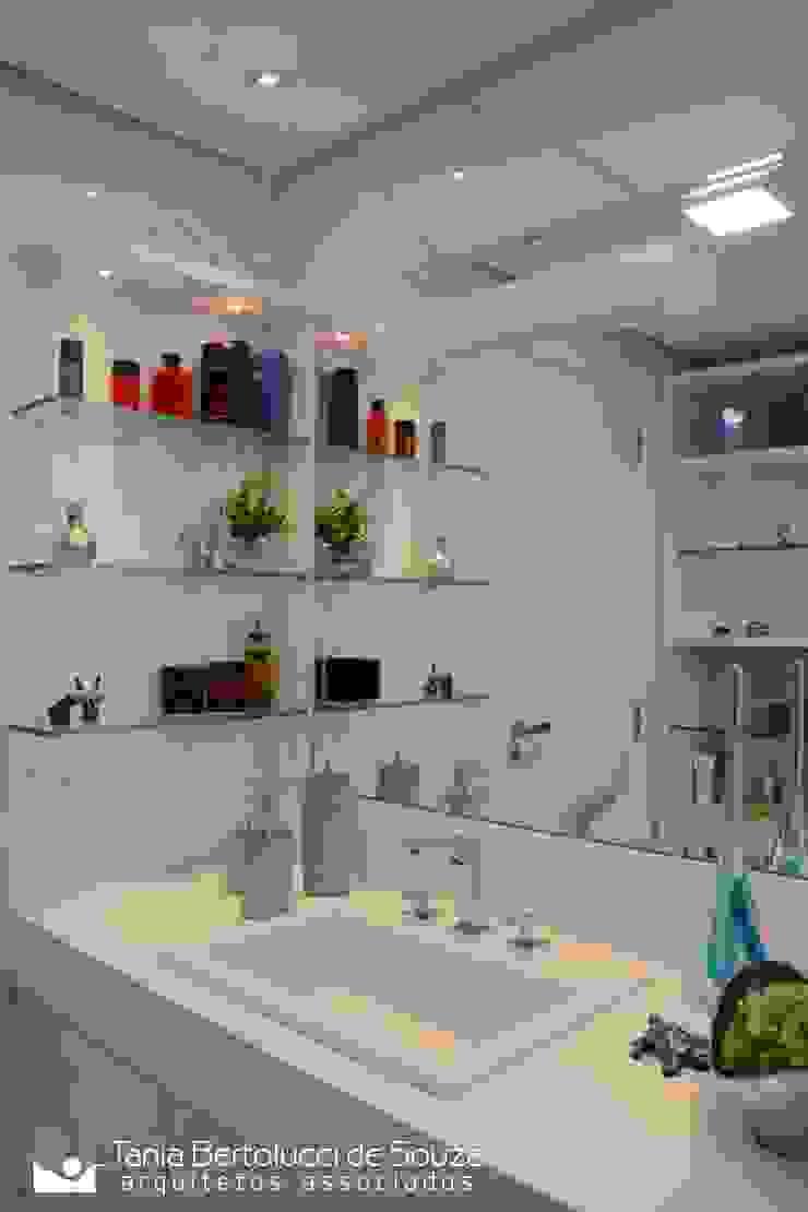 Tania Bertolucci de Souza | Arquitetos Associados Modern bathroom