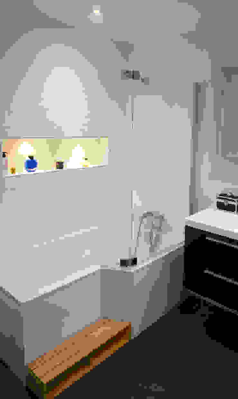 Salle de bains Salle de bain scandinave par Créateurs d'Interieur Scandinave