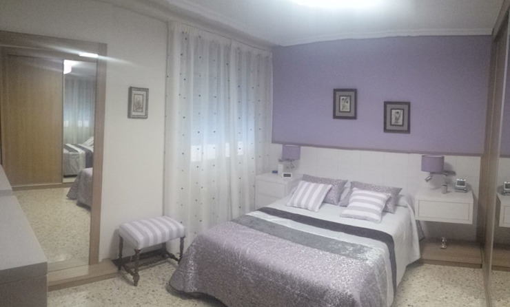 Habitación con tonos morados de Clarion - acotrazio d'interiors S.L.U Moderno