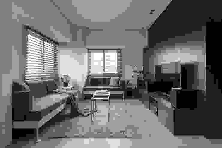 究。敘 / Tailored Narrative 现代客厅設計點子、靈感 & 圖片 根據 研一制作 現代風