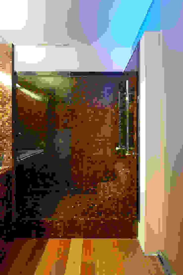Base de chuveiro em coco por MJARC - Arquitetos Associados, lda Moderno