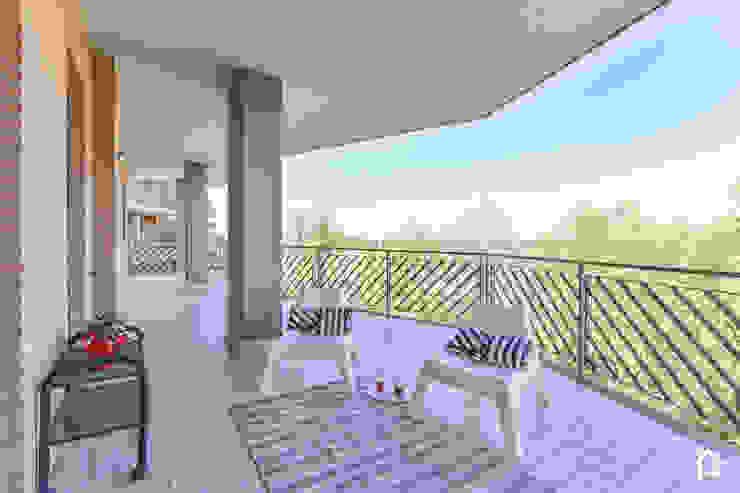 Tre Cuori ed una Casa Air Home - Home Staging & Interior Design Balcone, Veranda & Terrazza in stile moderno