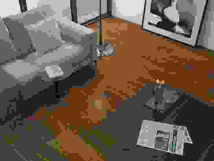 Sala con piso estilo madera Interceramic MX Salones rústicos rústicos Cerámico Marrón