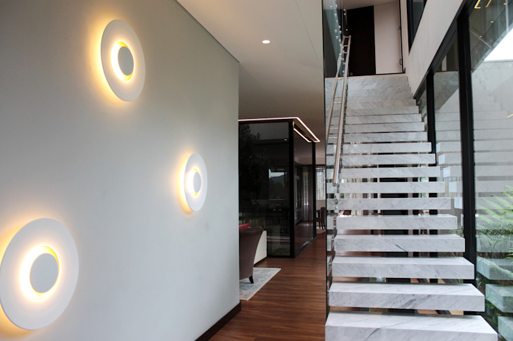 by BASSICO ARQUITECTOS Modern Marble