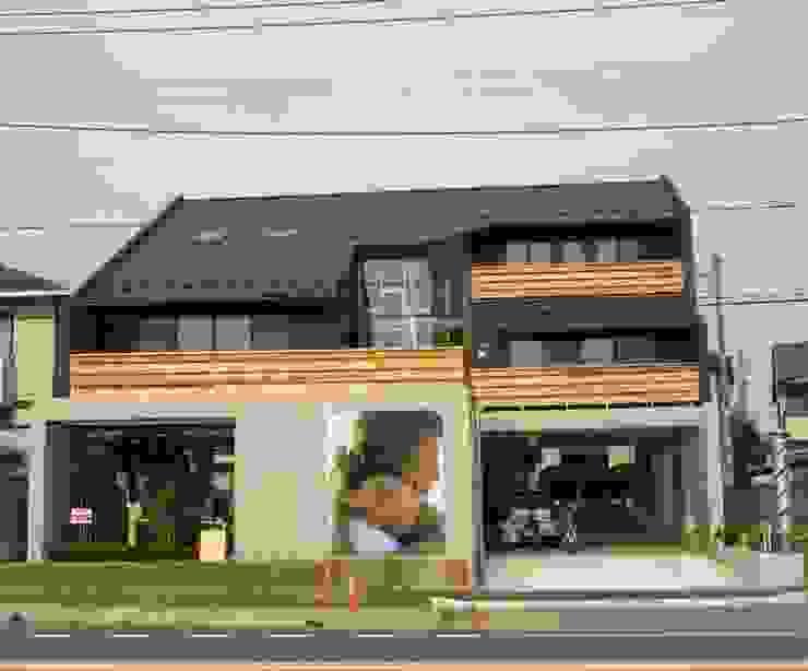 by 株式会社高野設計工房 Modern