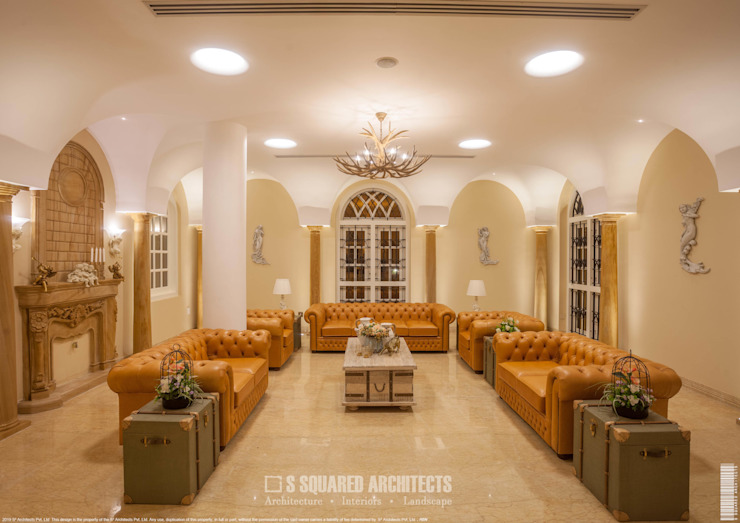 The 'Golden Hue' Residence Colonial style living room by S Squared Architects Pvt Ltd. Colonial Sandstone
