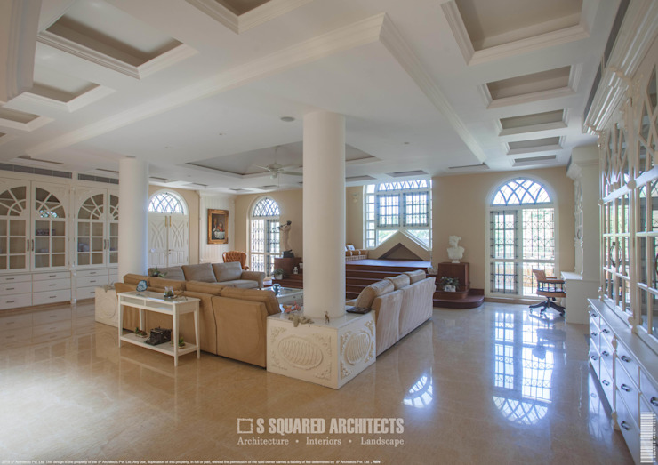 The 'Golden Hue' Residence Colonial style study/office by S Squared Architects Pvt Ltd. Colonial Wood Wood effect