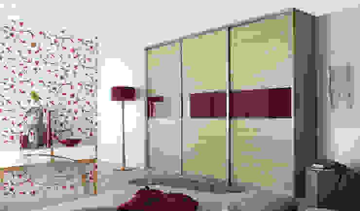 Ferrara Oak Red Sliding Door Wardrobes London: modern  by Metro Wardrobes London, Modern