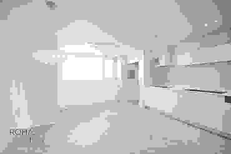 부산 더샵센텀파크 인테리어 – 40평 아파트 인테리어 모던스타일 주방 by 로하디자인 모던