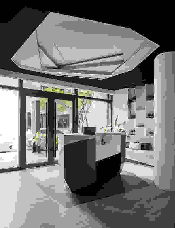 漢玥室內設計 Negozi & Locali Commerciali Nero