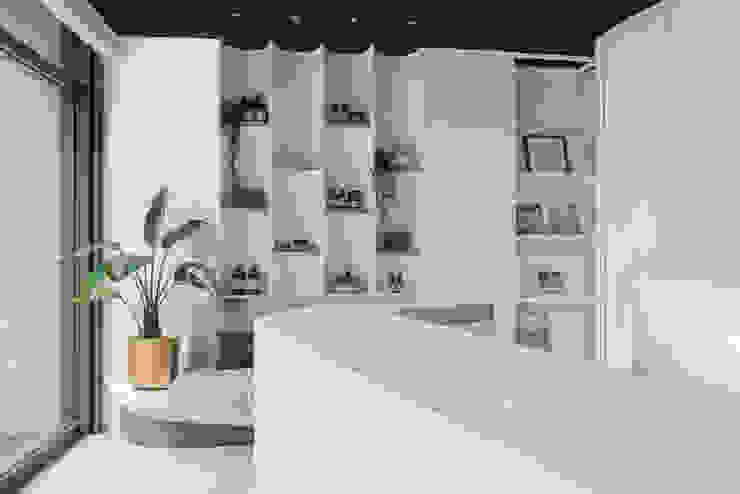 漢玥室內設計 Negozi & Locali Commerciali Bianco