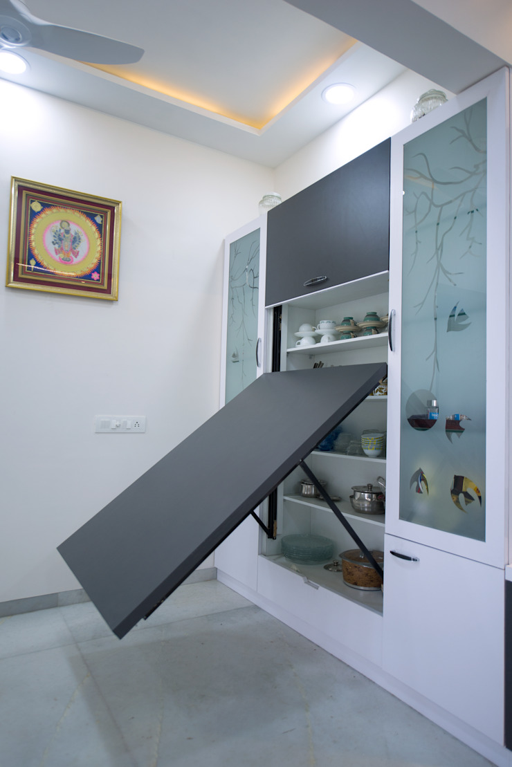 Folding dining table Minimalist dining room by Chaitali Shah Minimalist Plywood