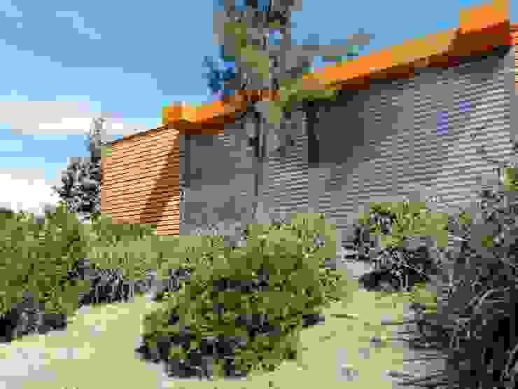 Salas de Venta- Colina : Puertas de estilo  por Protec Ingeniería, Moderno