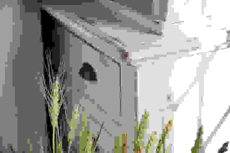 Scandinavian style kitchen by Idea Stile Scandinavian Solid Wood Multicolored