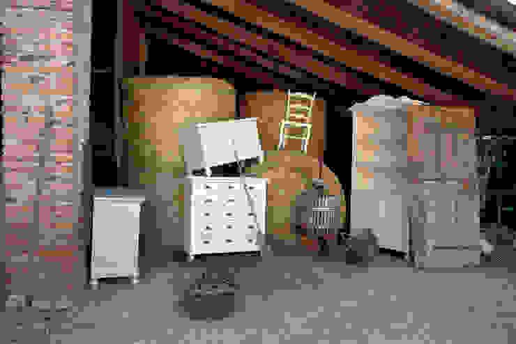 Scandinavian style wine cellar by Idea Stile Scandinavian Solid Wood Multicolored