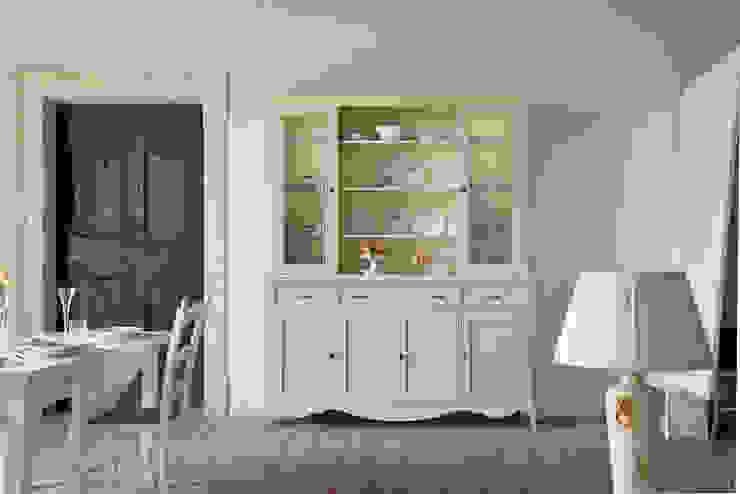 Scandinavian style dining room by Idea Stile Scandinavian Solid Wood Multicolored