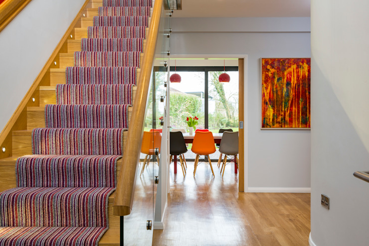 glass staircase Townscape Architects Modern corridor, hallway & stairs