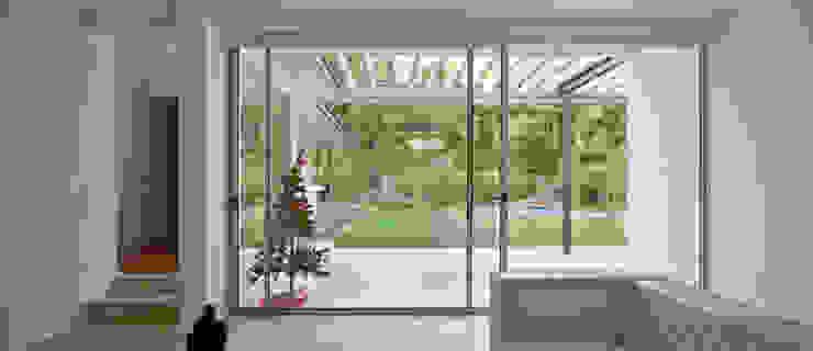Acceso a la terraza, marco de aluminio [ER+] Arquitectura y Construcción Puertas y ventanas minimalistas