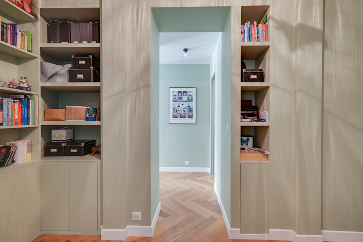 Agence KP Modern corridor, hallway & stairs