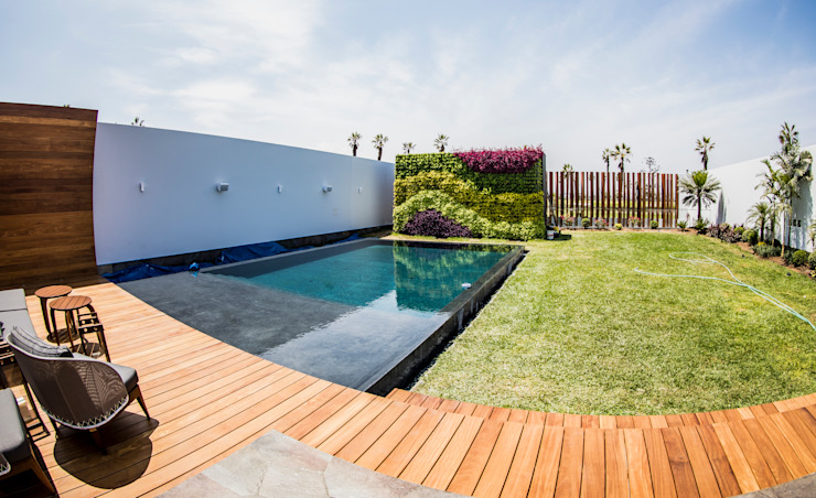 Modern pool by DOF Arquitectos Modern Concrete