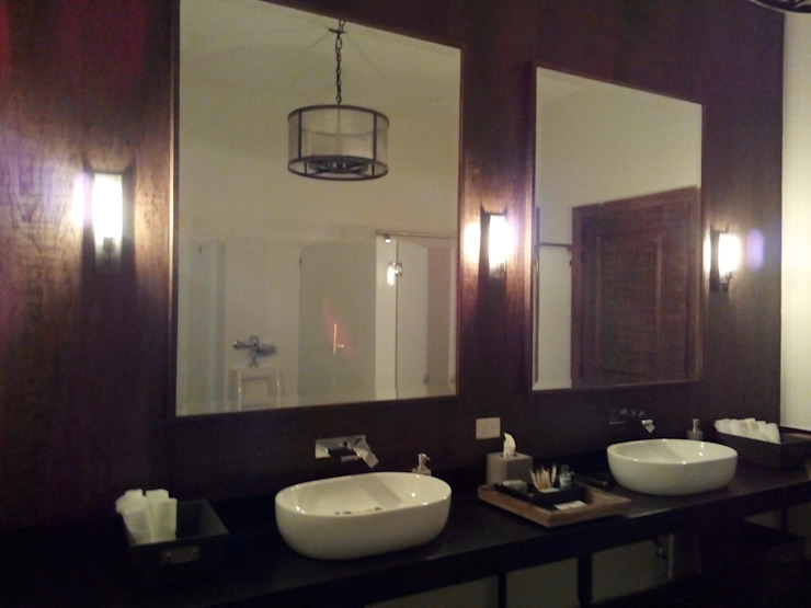 Classic style bathroom by AMID Classic