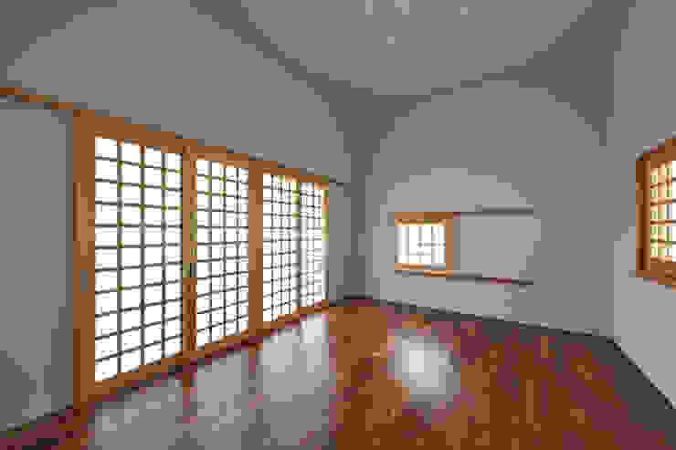 Salle de sport moderne par プラソ建築設計事務所 Moderne