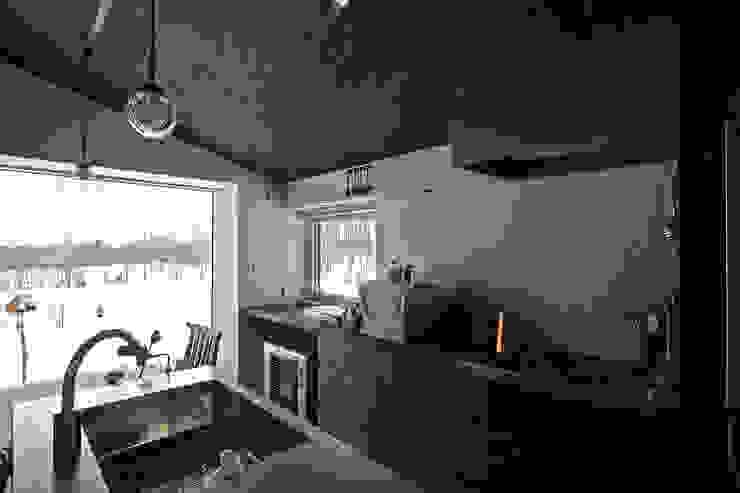 ハウス イン メムロ 北欧デザインの キッチン の エム・アンド・オー 北欧